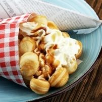 bubble waffle with cream