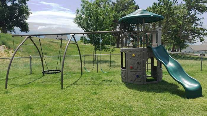 castle and swing play set