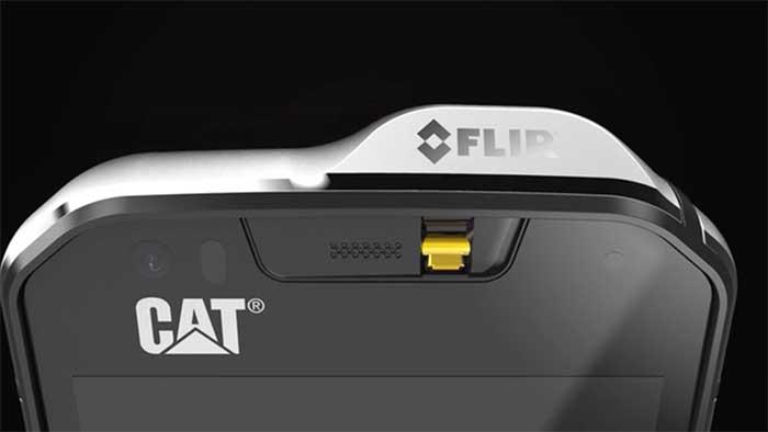 cat phones s60 smartphone with FLIR camera