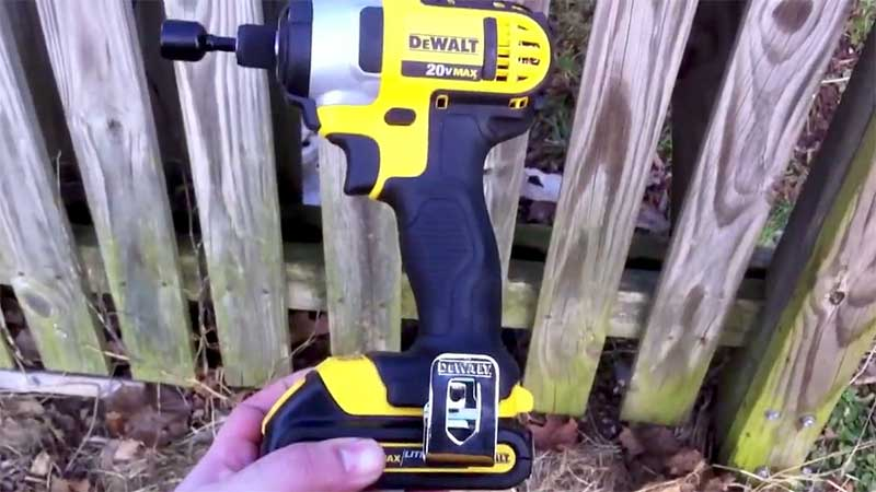 dewalt battery operated screwdriver
