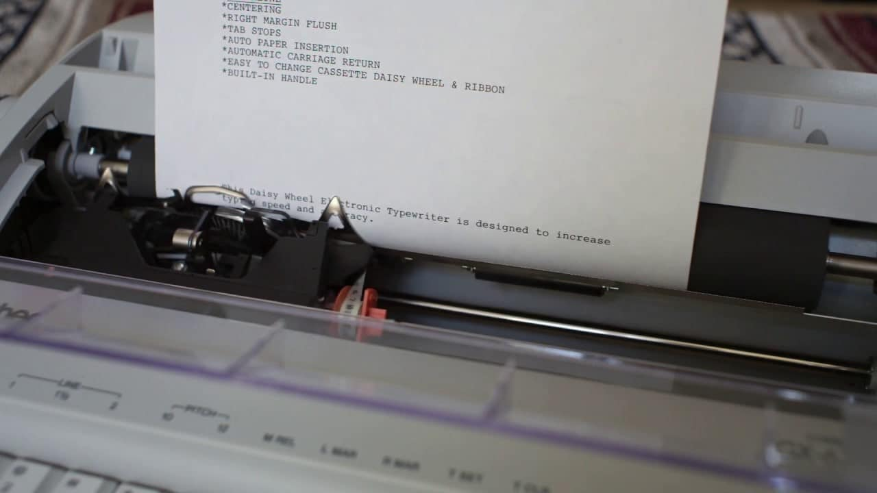 gx 6750 electric typewriter image