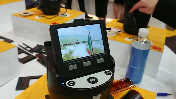 kodak scanza scanning a 35mm film strip