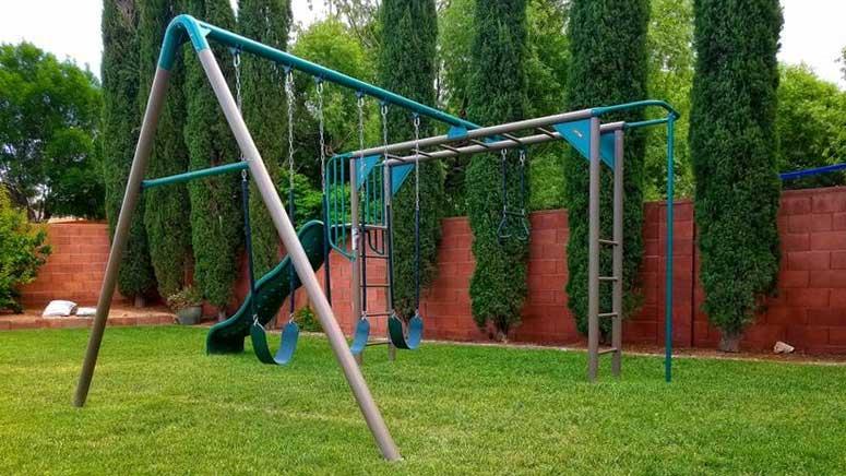 monkeybar adventure swing set