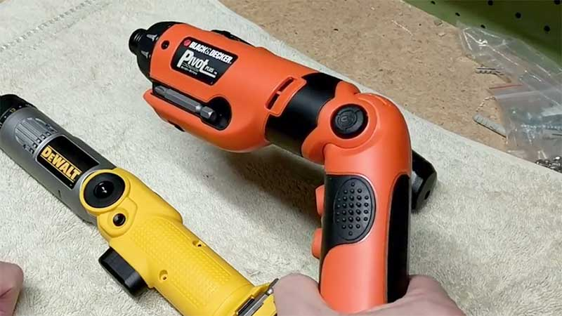 Pivot screwdriver