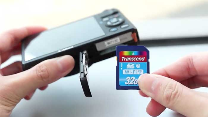 Putting a sd card into a slot
