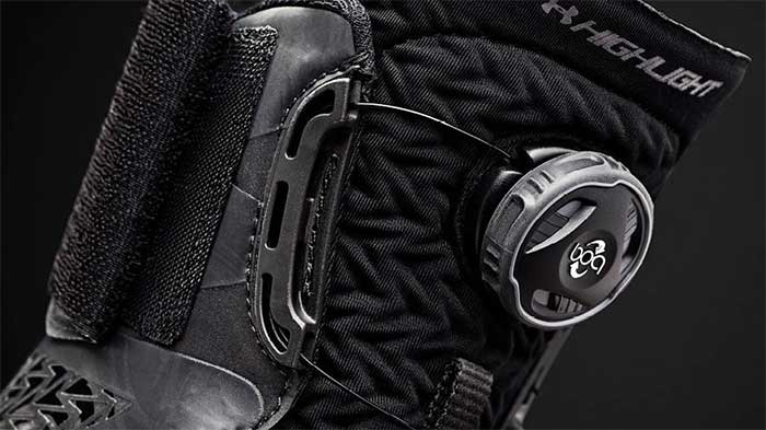 Under armour ua highlight MC 2.0 boa lacing system close up