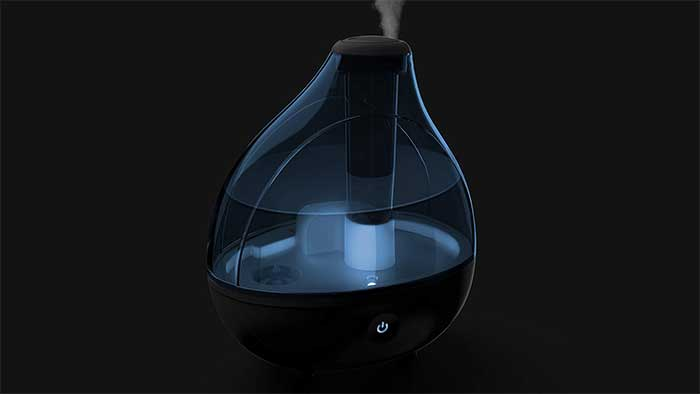 Water tank on a bedroom humidifier