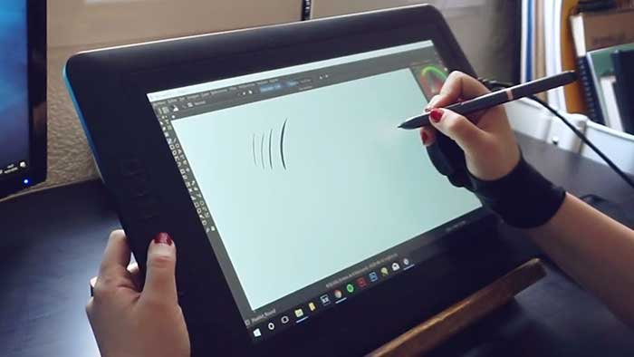 Artist drawing on a xp-pen 15.6 inches screen